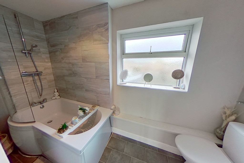3 bed end of terrace house for sale in Newenden Close, Ashford 12