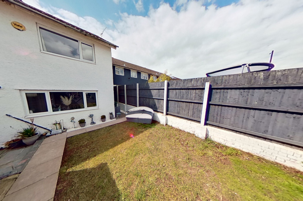 3 bed end of terrace house for sale in Newenden Close, Ashford 14