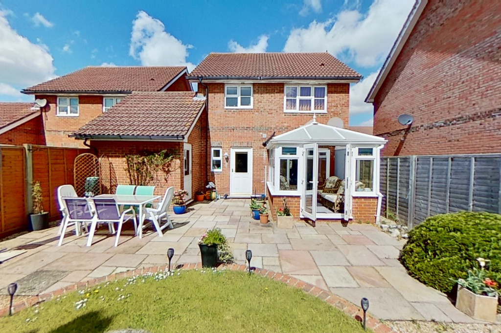 3 bed detached house for sale in Chaffinch Drive, Park Farm, Ashford  - Property Image 2