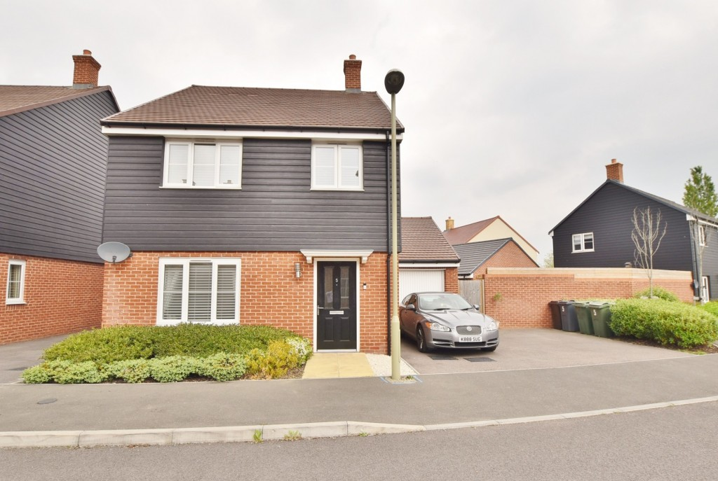 4 bed detached house to rent in Bodiam Avenue, Bridgefield, Ashford - Property Image 1