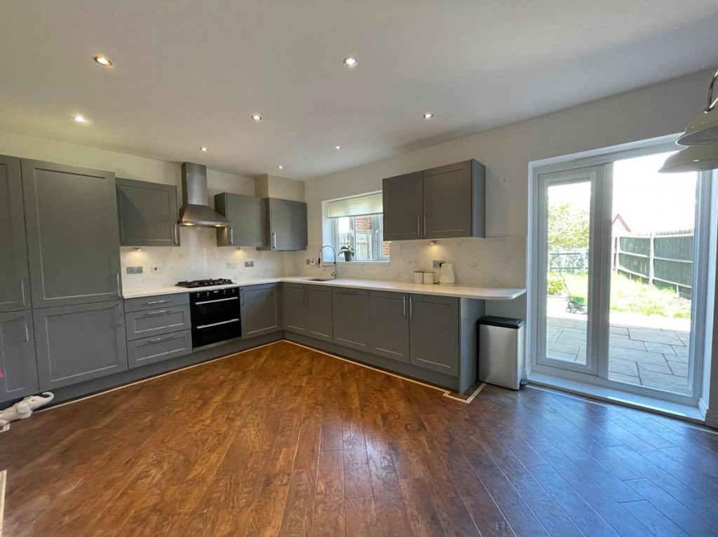 4 bed detached house to rent in Bodiam Avenue, Bridgefield, Ashford  - Property Image 2