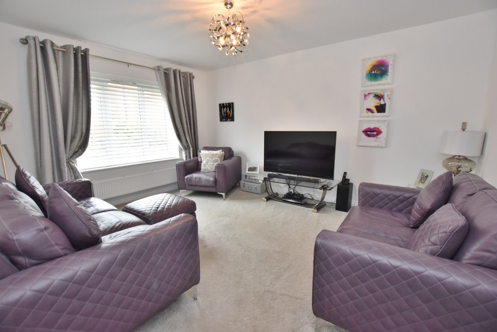 4 bed detached house to rent in Bodiam Avenue, Bridgefield, Ashford  - Property Image 3
