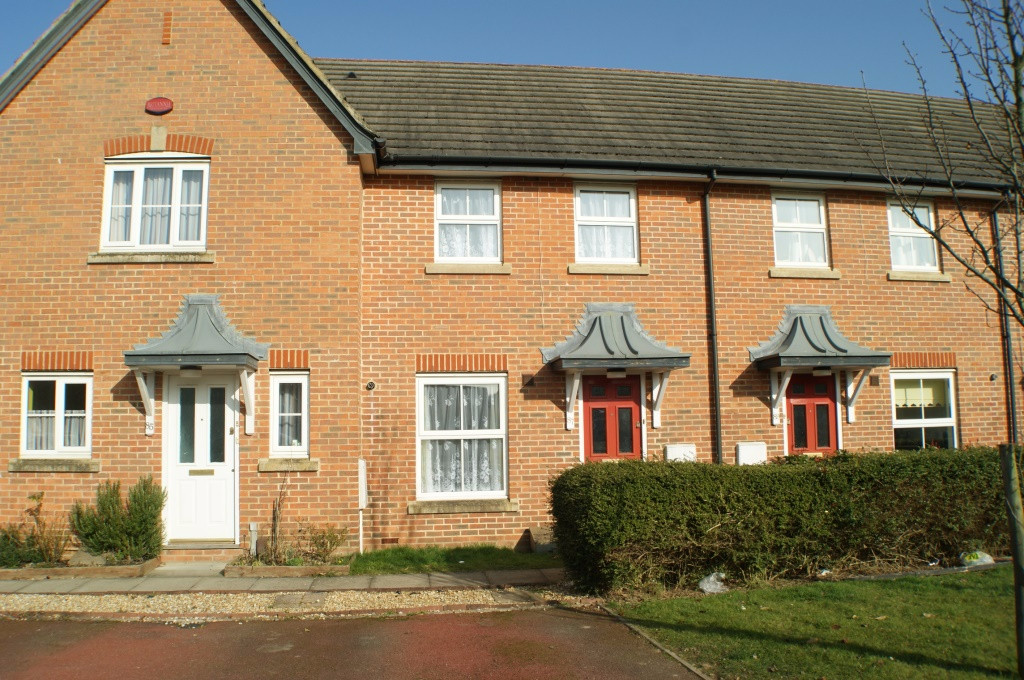 2 bed terraced house for sale in Wood Lane, Kingsnorth, Ashford - Property Image 1