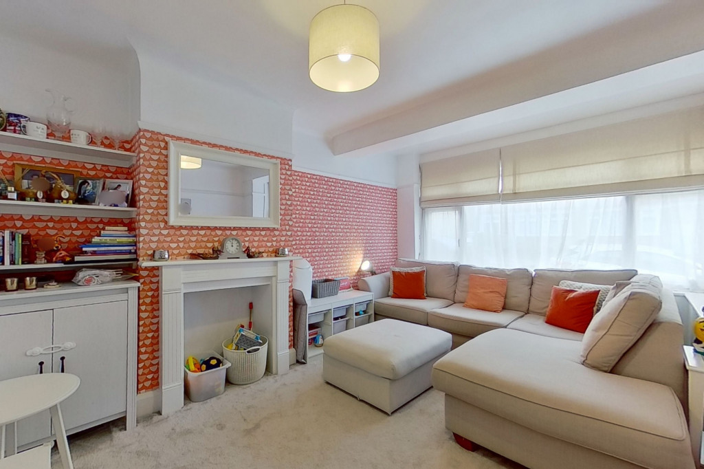 3 bed terraced house to rent in Boundary Road, Chatham  - Property Image 2