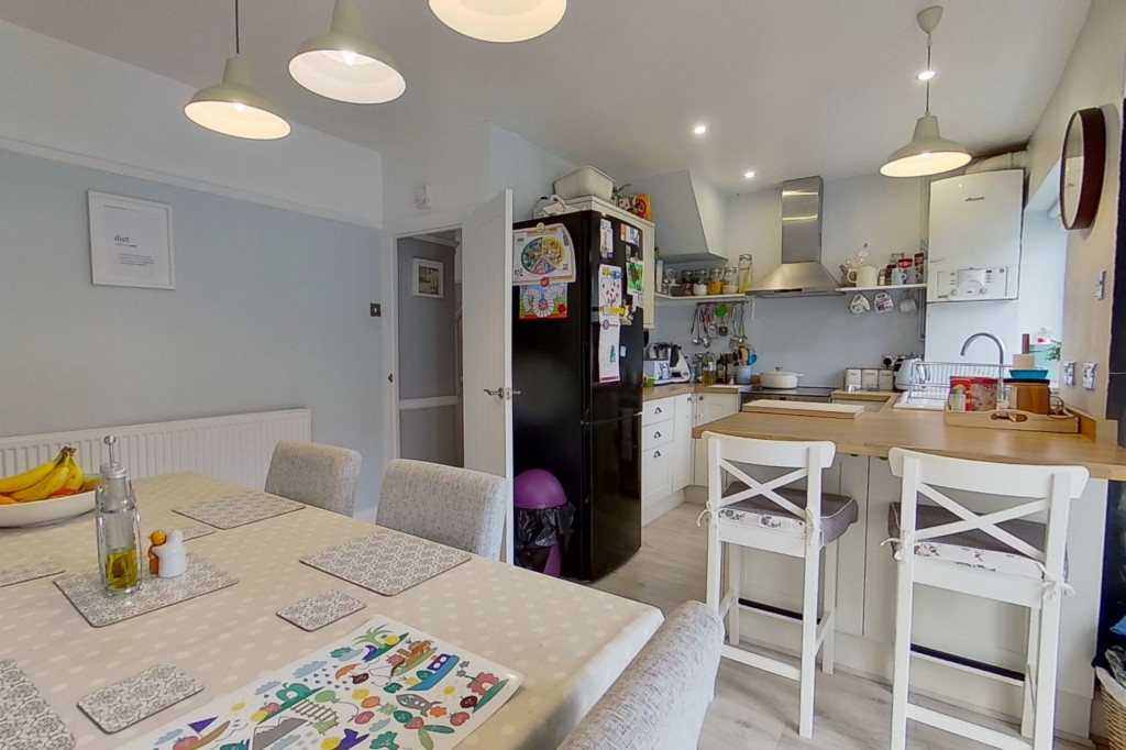 3 bed terraced house to rent in Boundary Road, Chatham  - Property Image 4