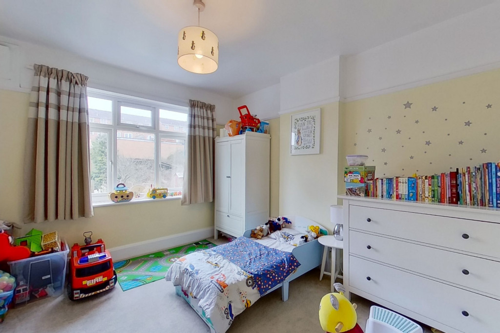 3 bed terraced house to rent in Boundary Road, Chatham 6