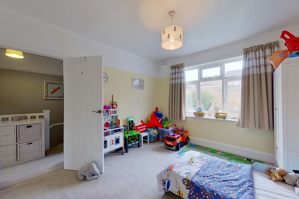 3 bed terraced house to rent in Boundary Road, Chatham  - Property Image 8