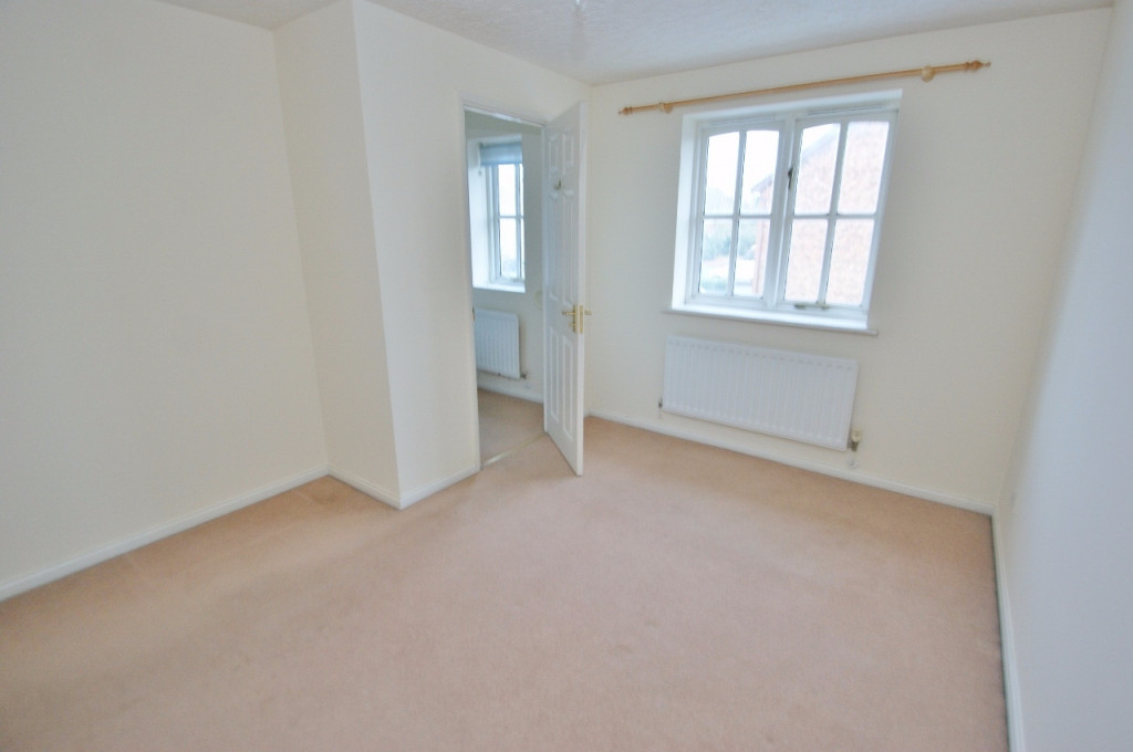 2 bed terraced house for sale in Smithy Drive, Kingsnorth, Ashford  - Property Image 5