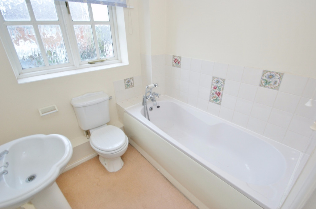 2 bed terraced house for sale in Smithy Drive, Kingsnorth, Ashford  - Property Image 9