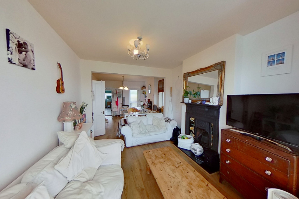 3 bed semi-detached house for sale in Canterbury Road, Willesborough, Ashford  - Property Image 3