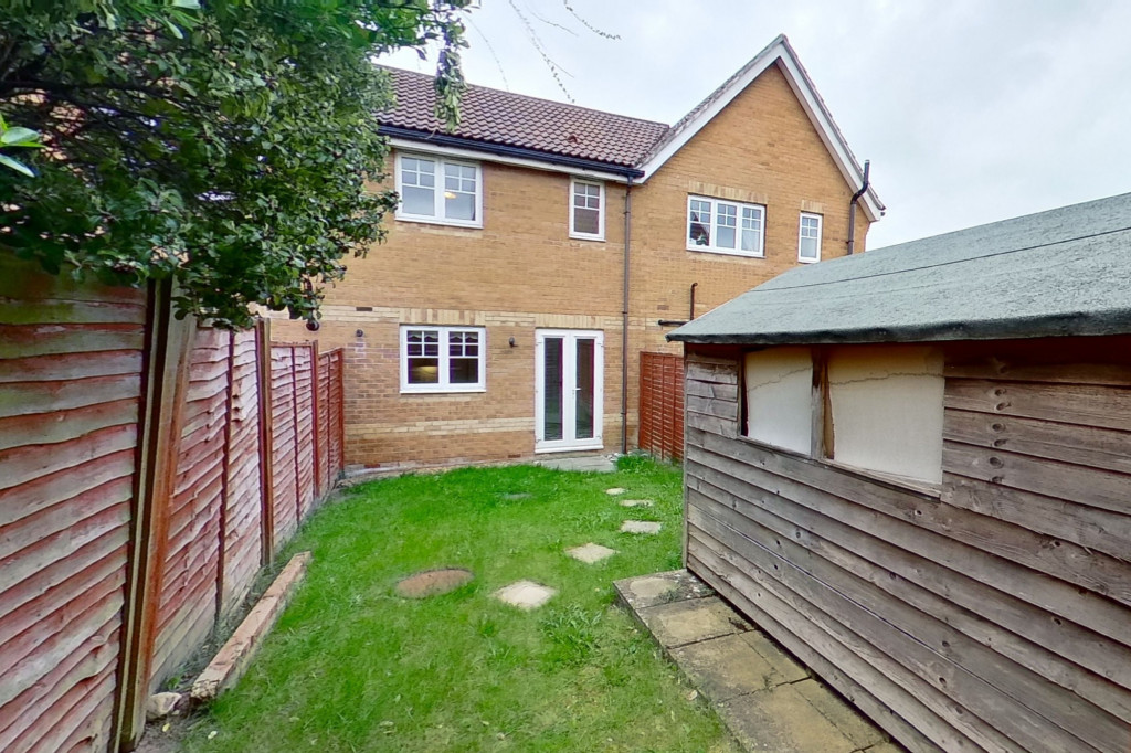 2 bed terraced house for sale in Emperor Way, Kingsnorth, Ashford  - Property Image 7