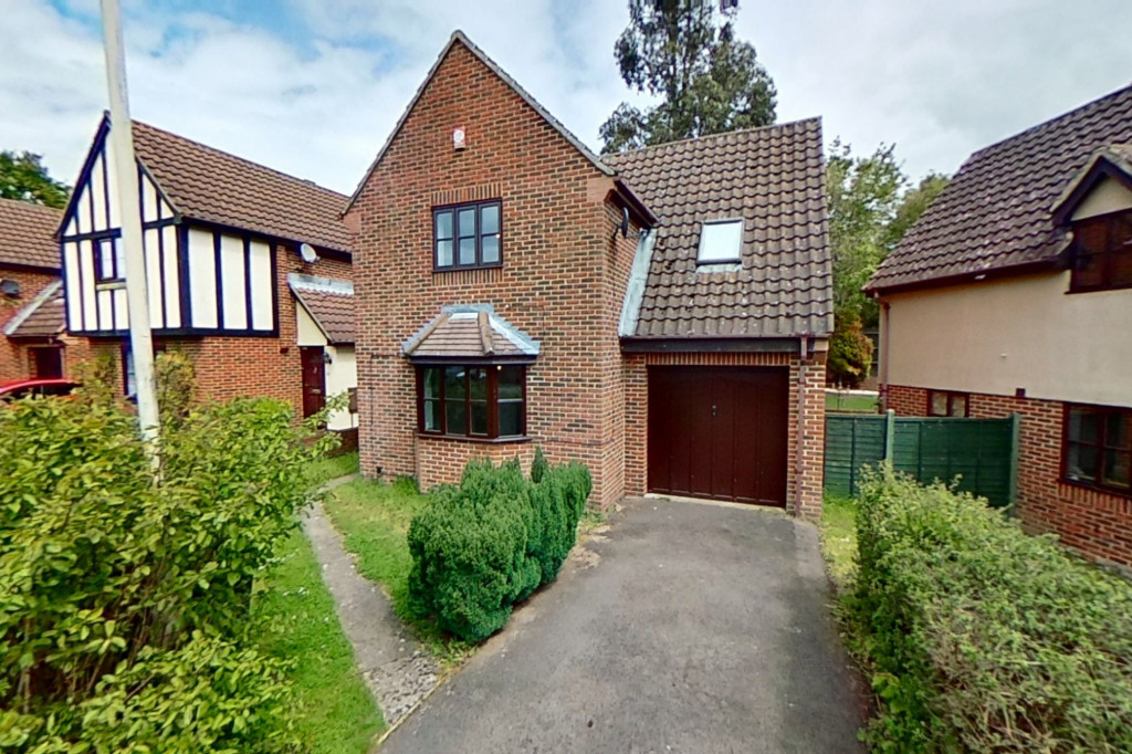 3 bed detached house for sale in Almond Close, Orchard Heights, Ashford  - Property Image 1
