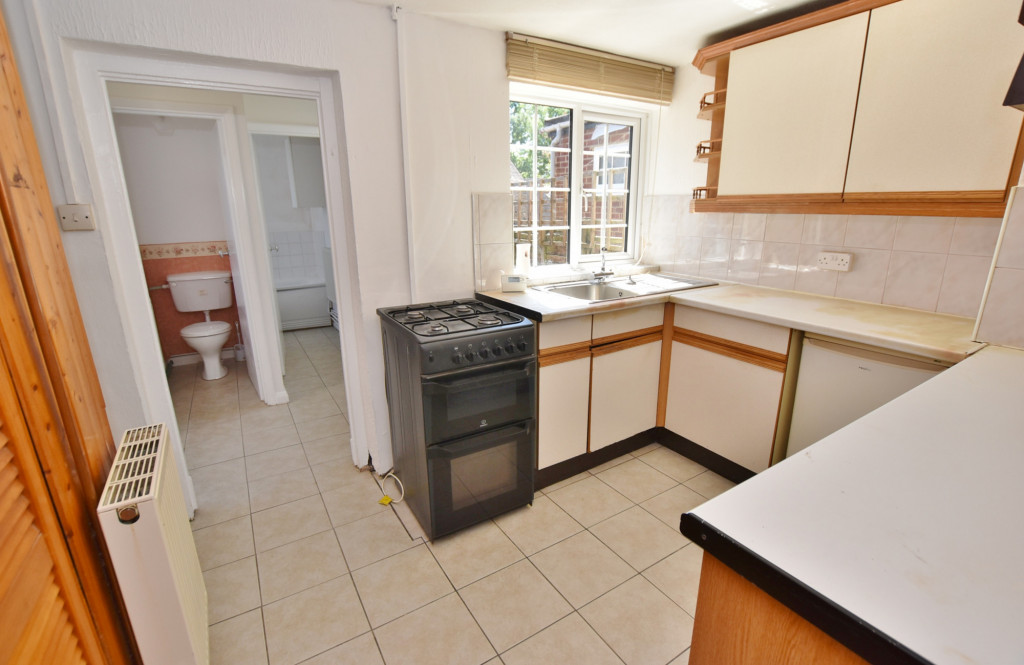 2 bed terraced house for sale in Kingsnorth Road, Ashford  - Property Image 5