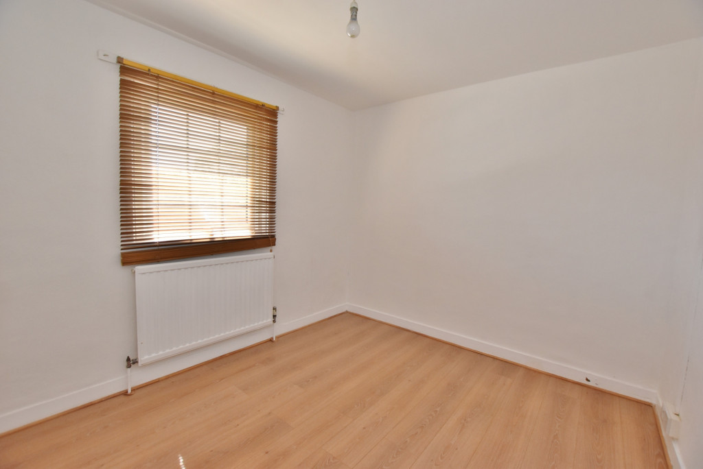2 bed terraced house for sale in Kingsnorth Road, Ashford  - Property Image 9