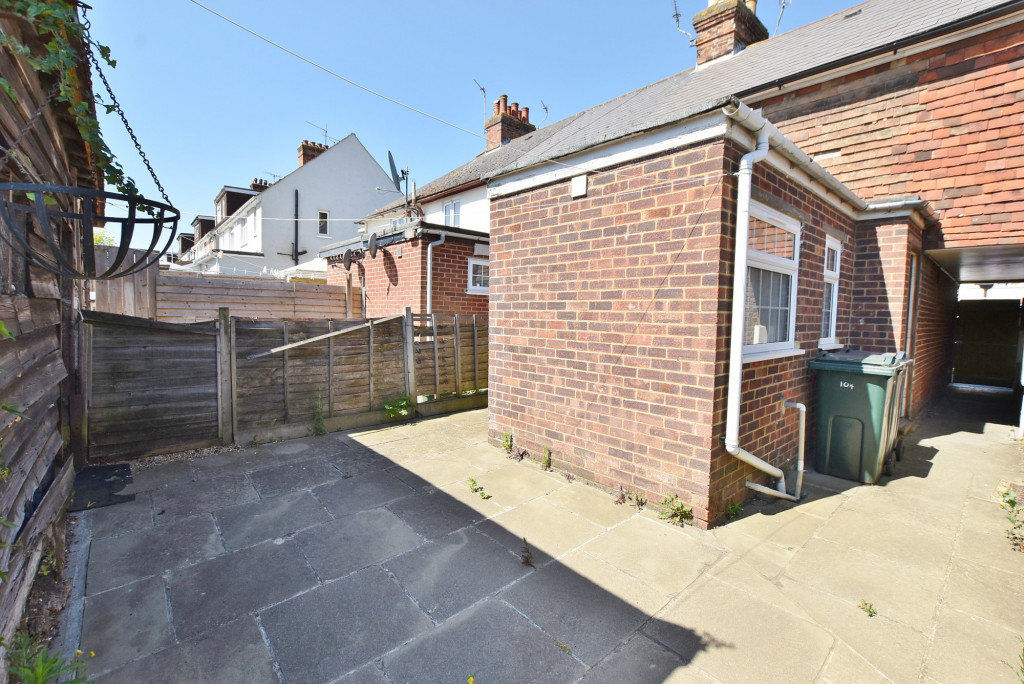 2 bed terraced house for sale in Kingsnorth Road, Ashford  - Property Image 10