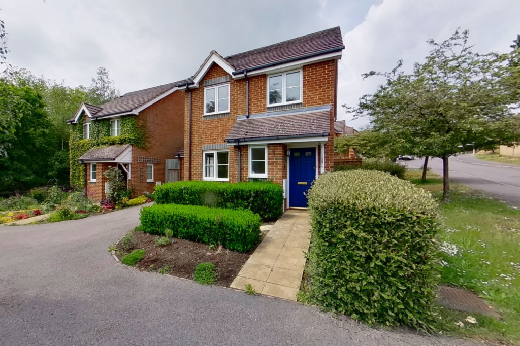 3 bed detached house for sale in Forest Avenue, Orchard Heights, Ashford - Property Image 1