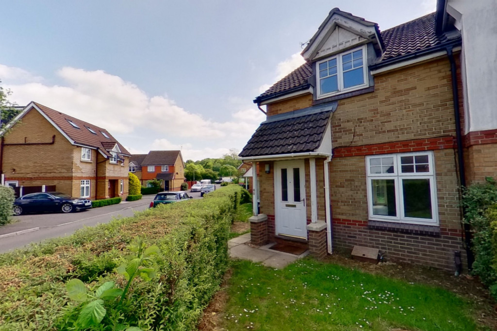 2 bed semi-detached house for sale in Gordon Close, Ashford 0