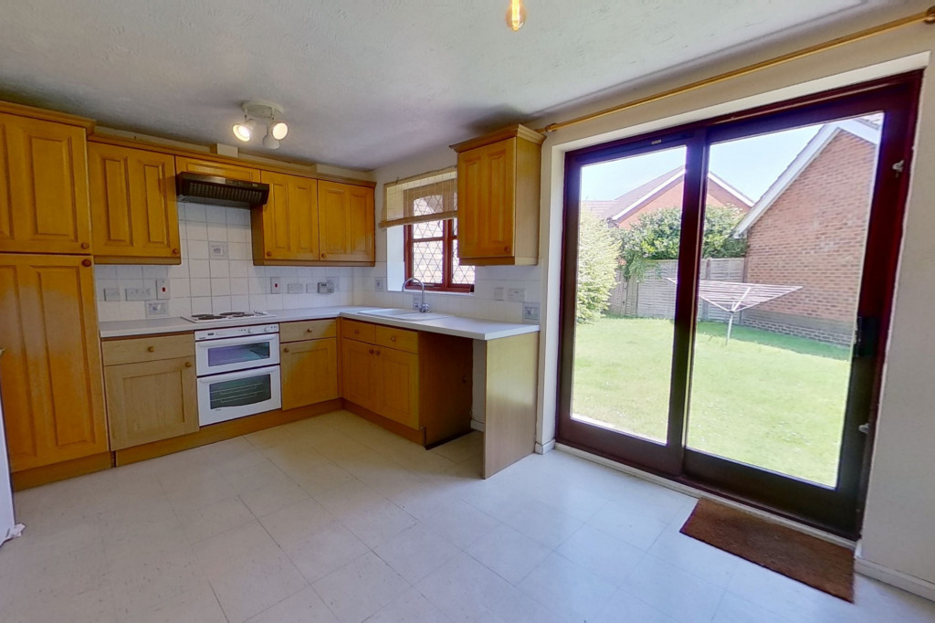 3 bed detached house for sale in Smithy Drive, Kingsnorth, Ashford 2