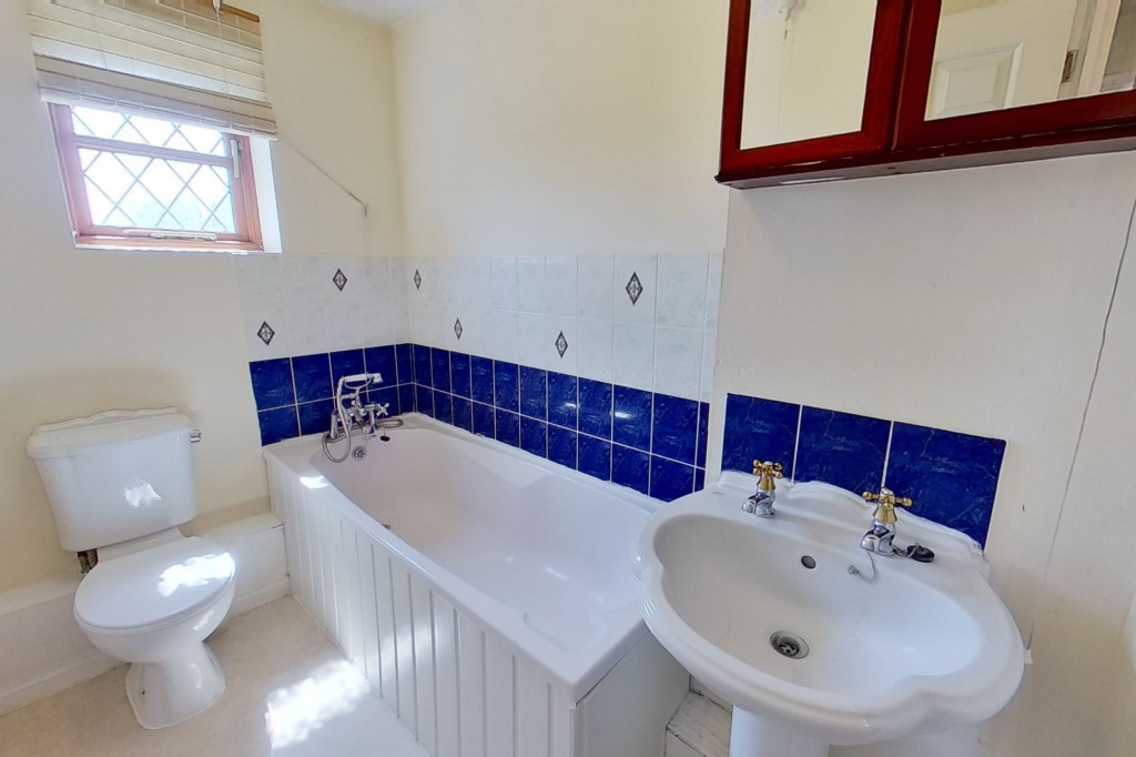 3 bed detached house for sale in Smithy Drive, Kingsnorth, Ashford 8