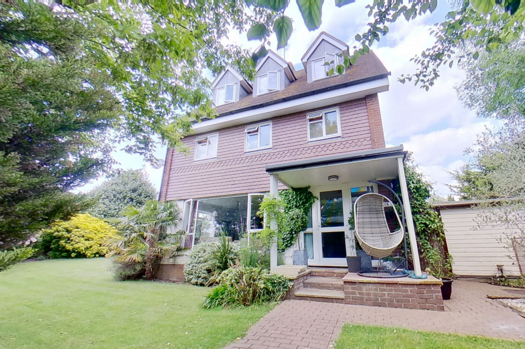 5 bed detached house for sale in Canterbury Road, Ashford 0