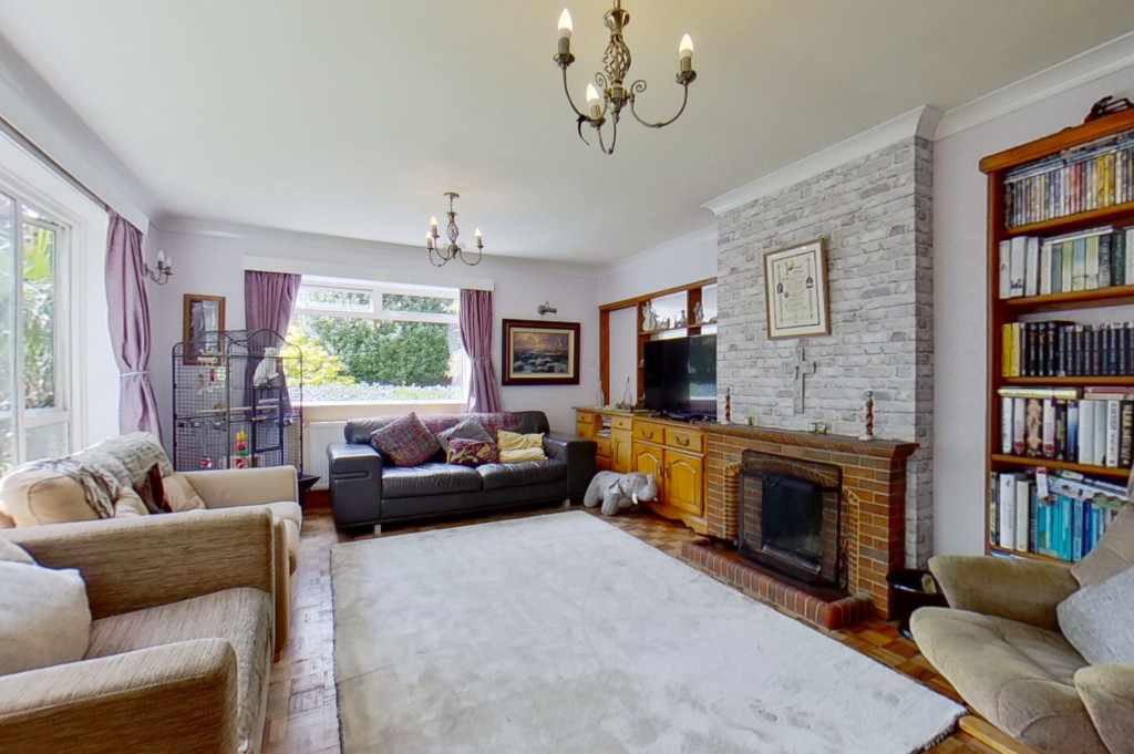 5 bed detached house for sale in Canterbury Road, Ashford 1
