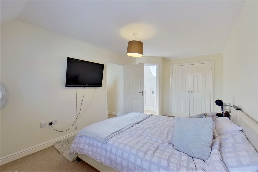 2 bed link detached house for sale in Ordinance Way, Repton Park, Ashford  - Property Image 6