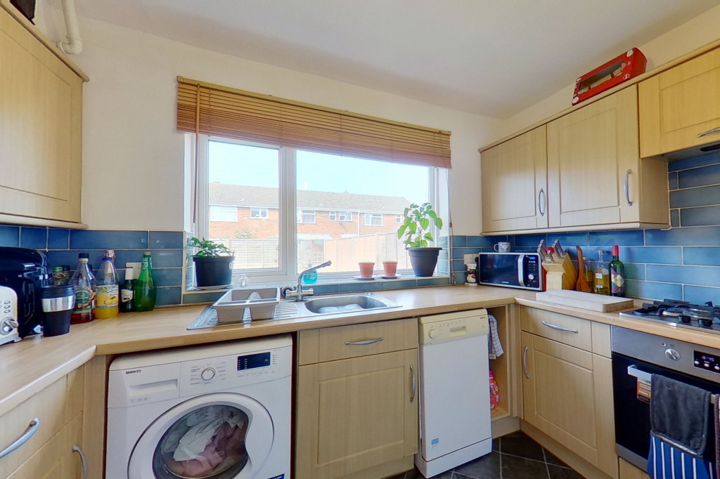 3 bed end of terrace house for sale in Mead Road, Willesborough, Ashford  - Property Image 5
