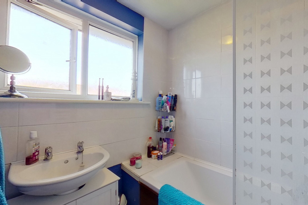 3 bed end of terrace house for sale in Mead Road, Willesborough, Ashford 7