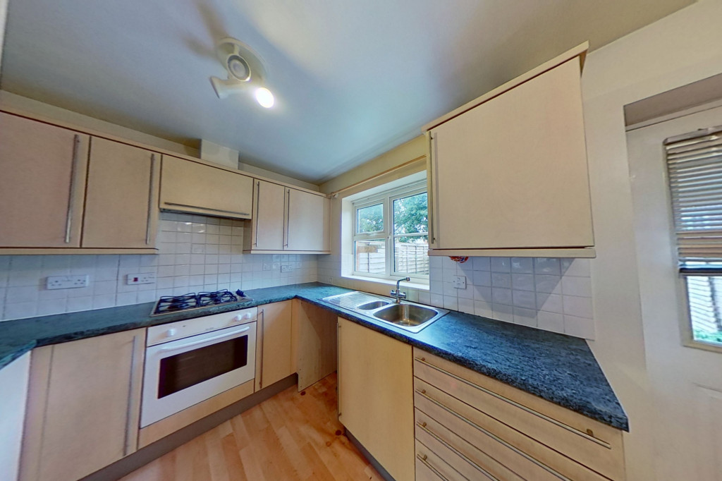 2 bed terraced house for sale in Chaffinch Drive, Ashford  - Property Image 3