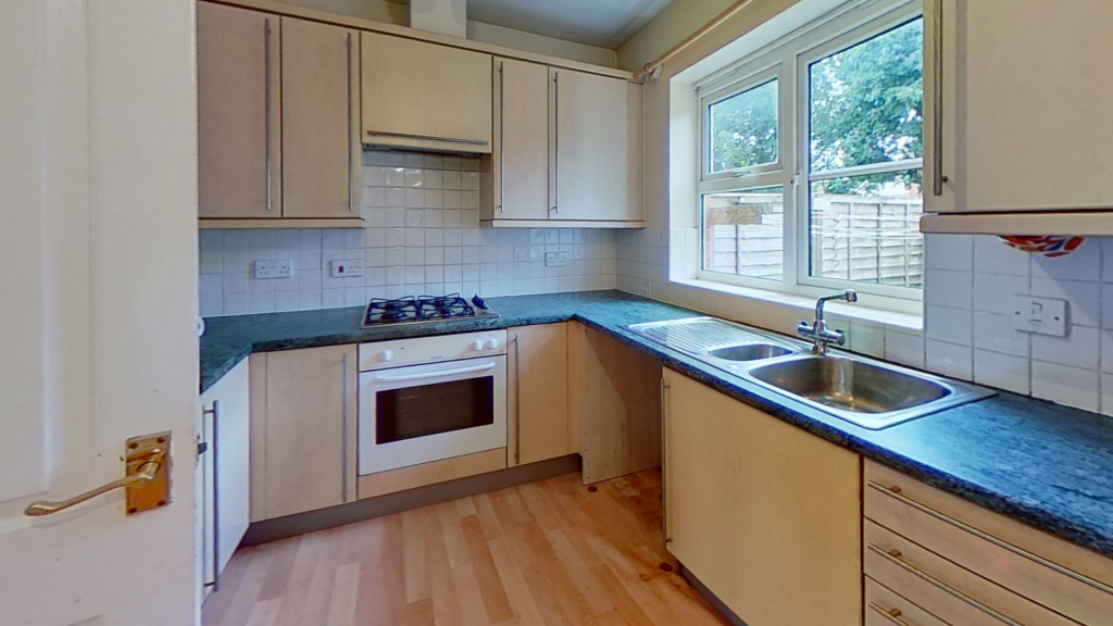 2 bed terraced house for sale in Chaffinch Drive, Ashford  - Property Image 4