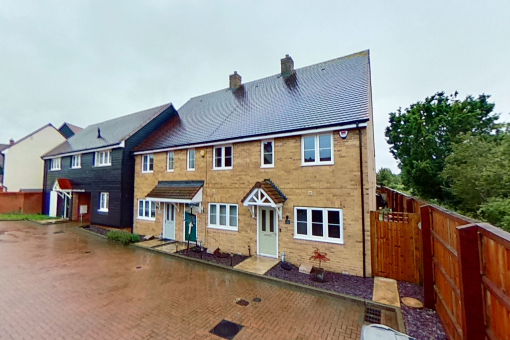 2 bed end of terrace house for sale in Ryeland Way, Bridgefield, Ashford 0