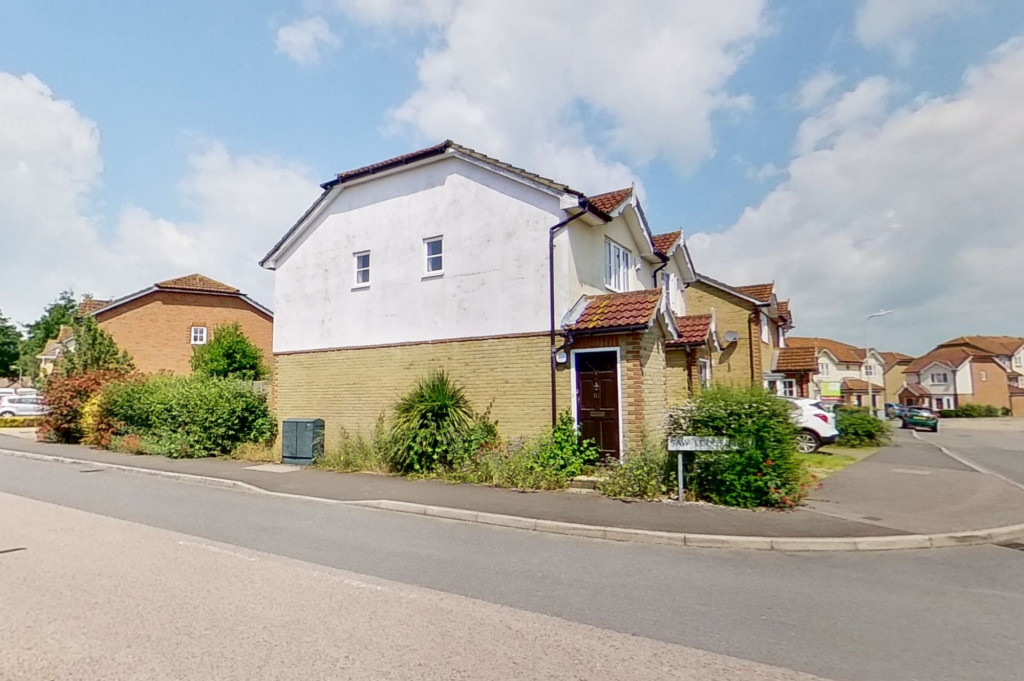 2 bed semi-detached house for sale in Manor House Drive, Ashford - Property Image 1