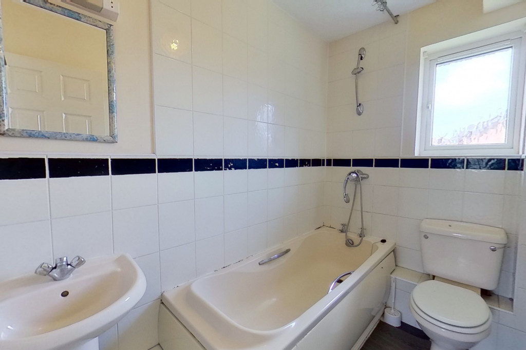 2 bed semi-detached house for sale in Manor House Drive, Ashford  - Property Image 7