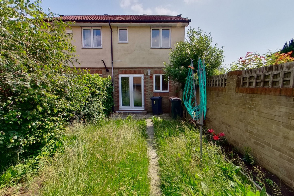 2 bed semi-detached house for sale in Manor House Drive, Ashford 7
