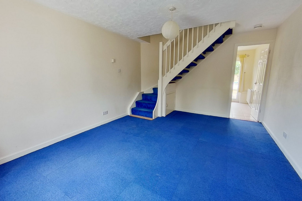 2 bed terraced house for sale in Corner Field, Ashford  - Property Image 2