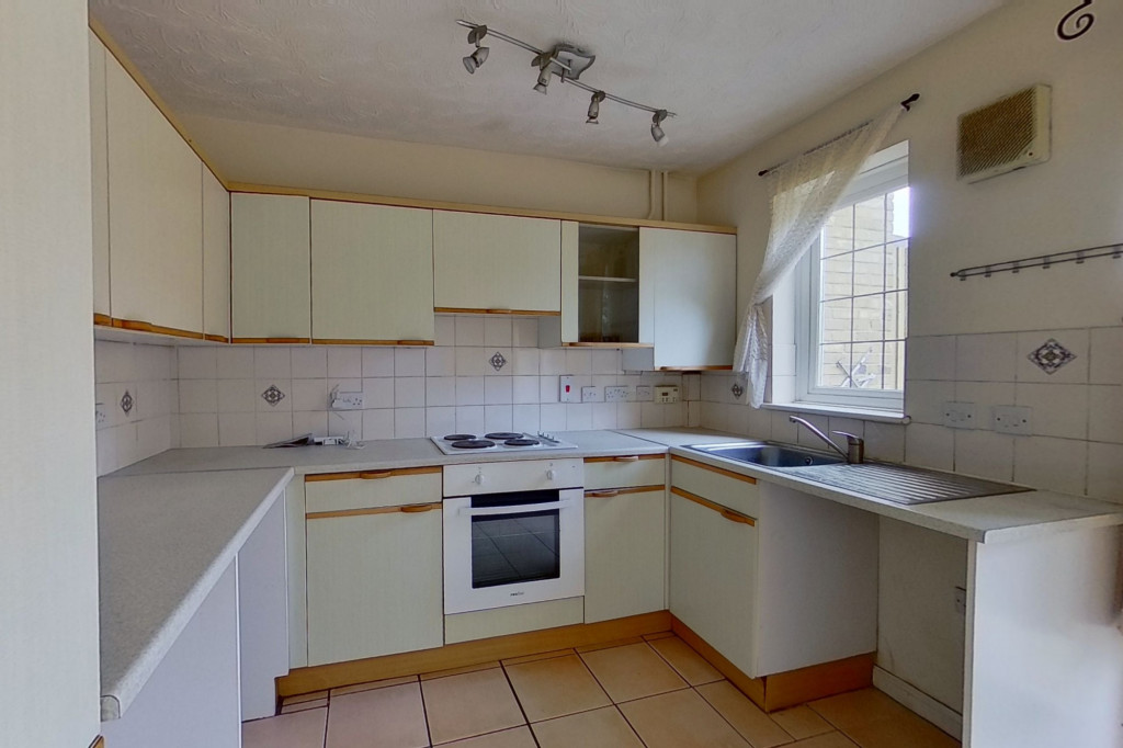 2 bed terraced house for sale in Corner Field, Ashford  - Property Image 3