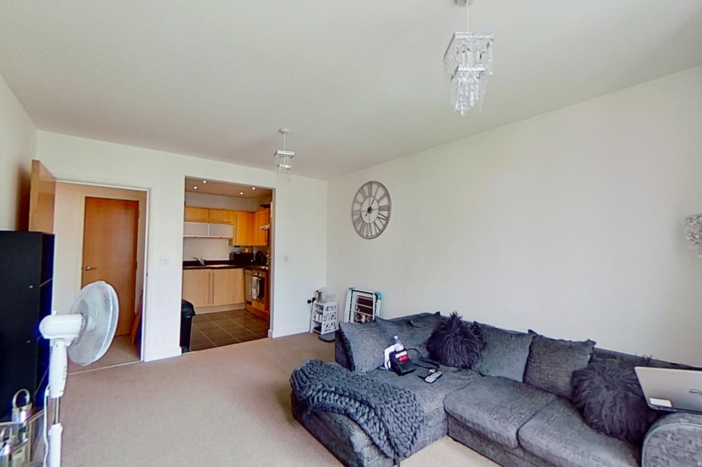 1 bed apartment to rent in Kingfisher Meadow, Maidstone 3