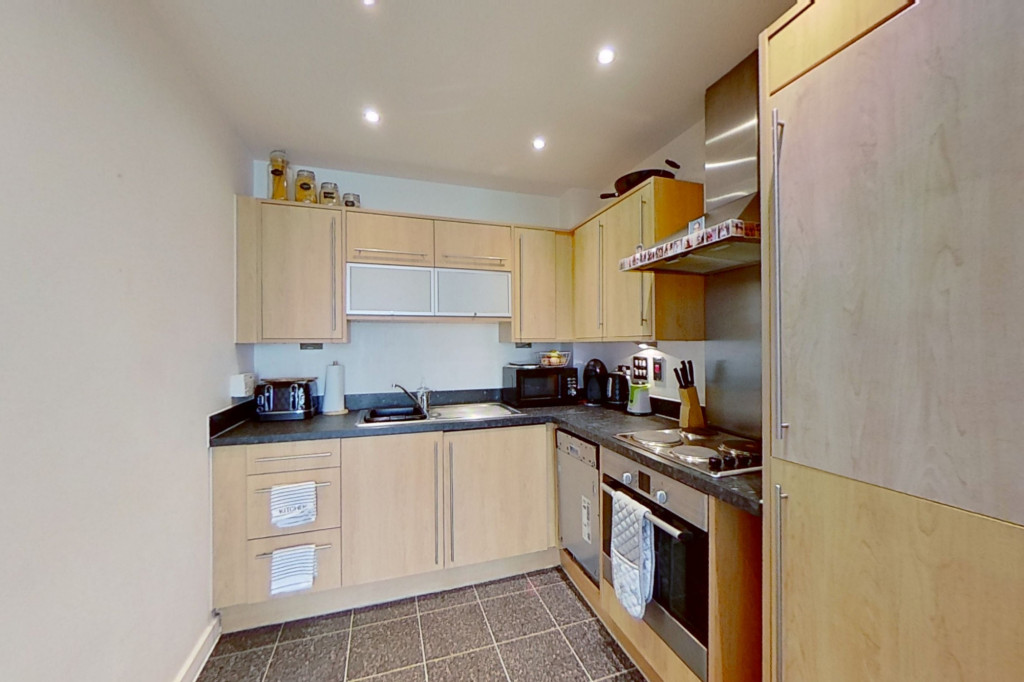 1 bed apartment to rent in Kingfisher Meadow, Maidstone 4