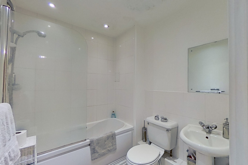 1 bed apartment to rent in Kingfisher Meadow, Maidstone 7