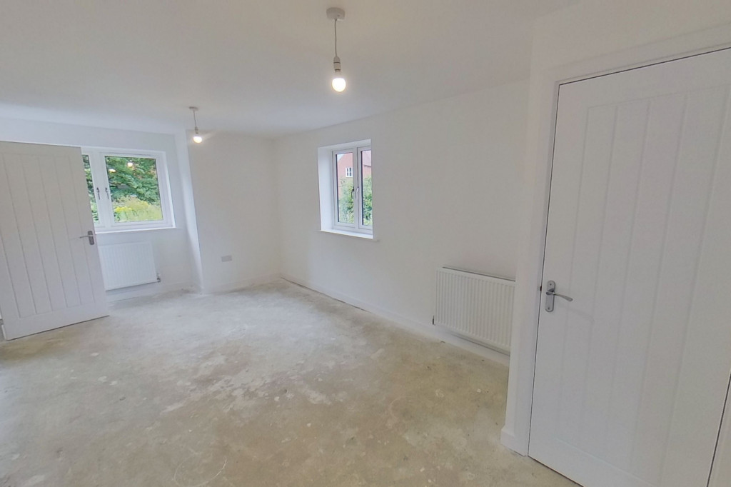 4 bed detached house to rent in Honeybee Drive, Ashford 4