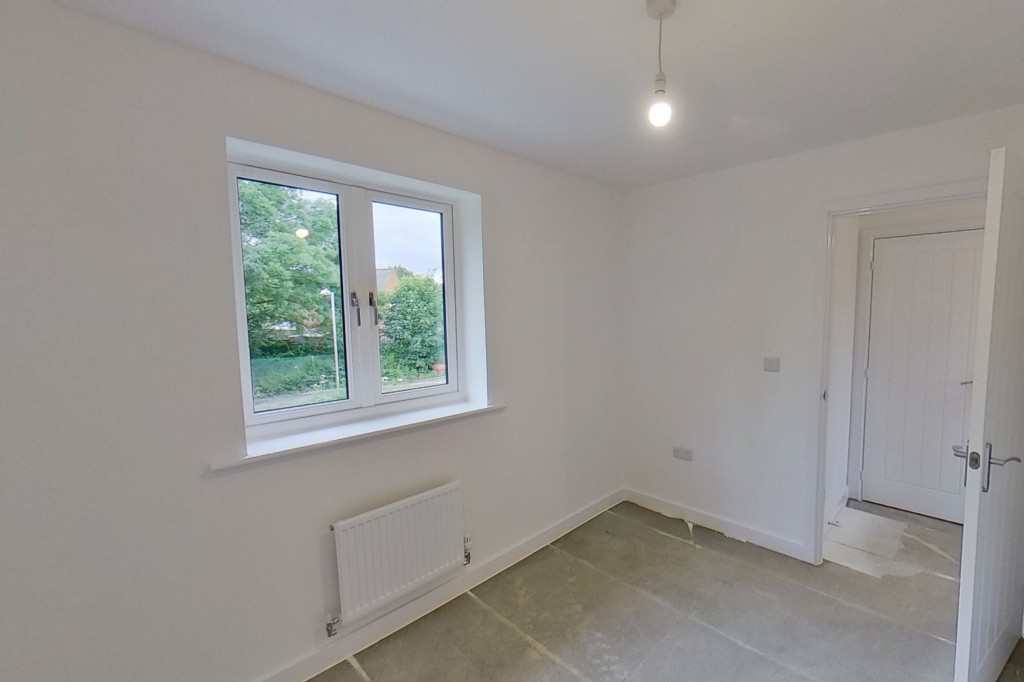 4 bed detached house to rent in Honeybee Drive, Ashford 11