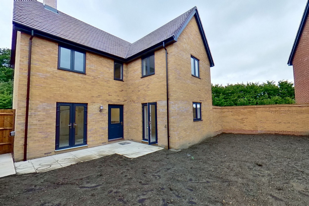 4 bed detached house to rent in Honeybee Drive, Ashford 14
