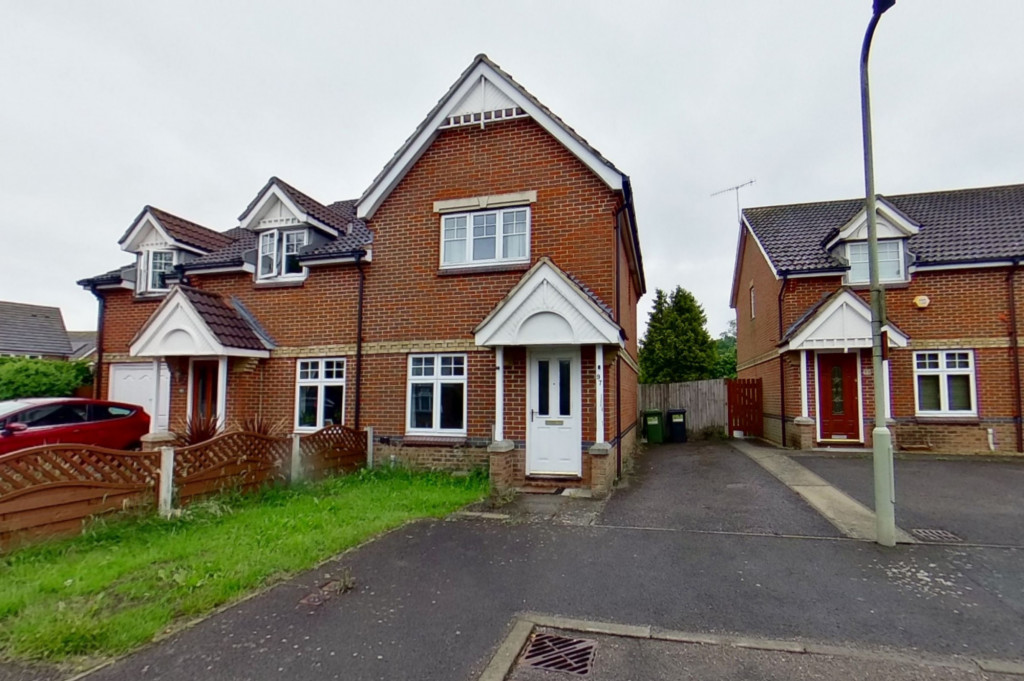 2 bed semi-detached house for sale in Gordon Close, Ashford  - Property Image 1