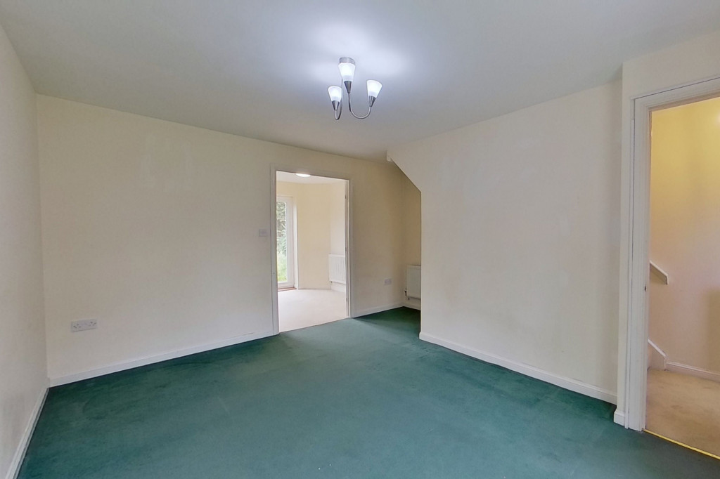 2 bed semi-detached house for sale in Gordon Close, Ashford 1