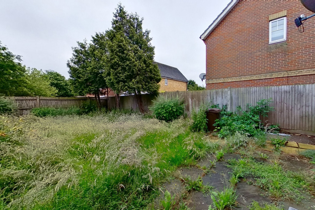 2 bed semi-detached house for sale in Gordon Close, Ashford  - Property Image 7