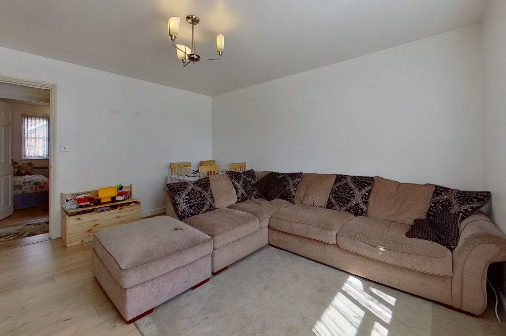 2 bed flat for sale in East Stour Way, Ashford  - Property Image 4