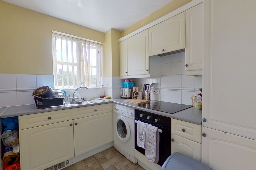 2 bed flat for sale in East Stour Way, Ashford 5