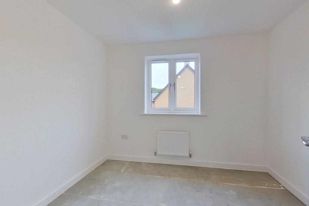 4 bed semi-detached house to rent in Heritage Road, Ashford 6