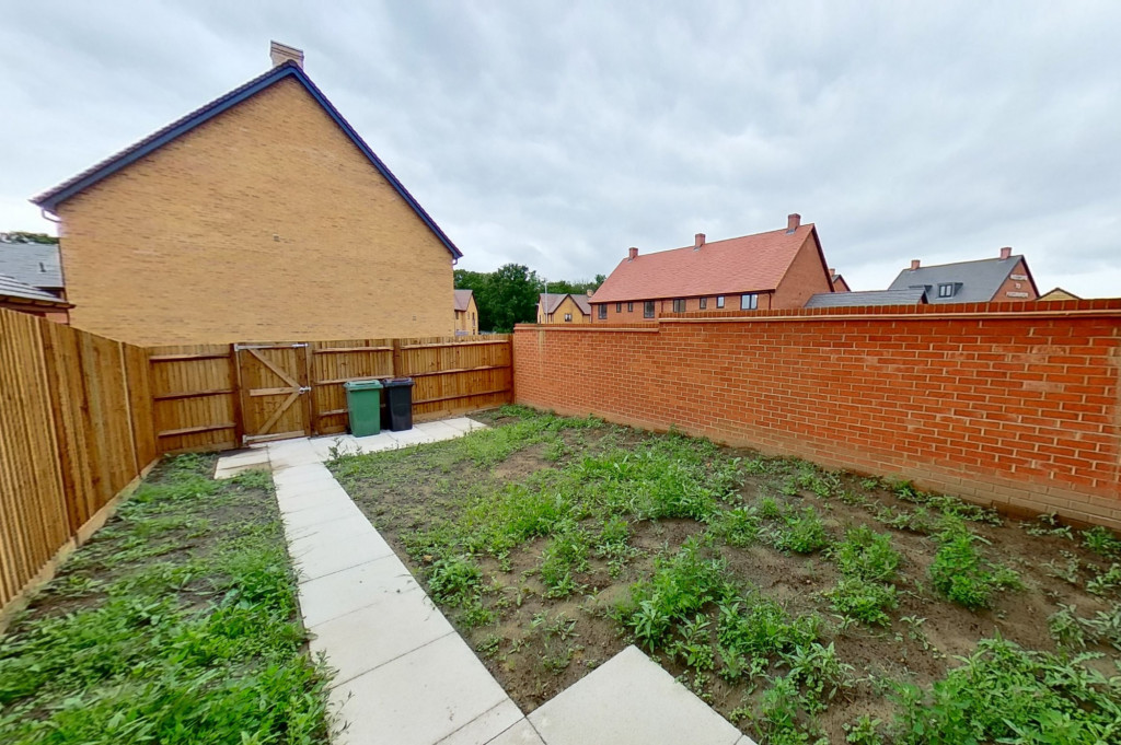 4 bed semi-detached house to rent in Heritage Road, Ashford  - Property Image 13