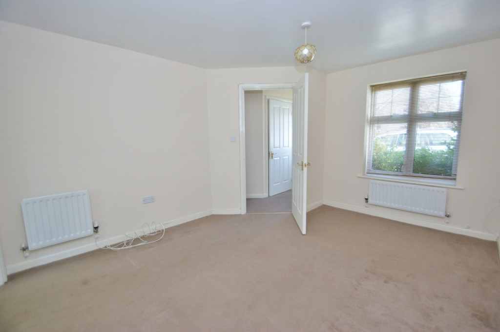 2 bed end of terrace house for sale in Pannell Drive, Hawkinge, Folkestone 2